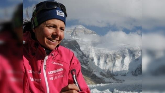 Una mujer conquista por vez primera los 14 'ochomiles' sin oxígeno