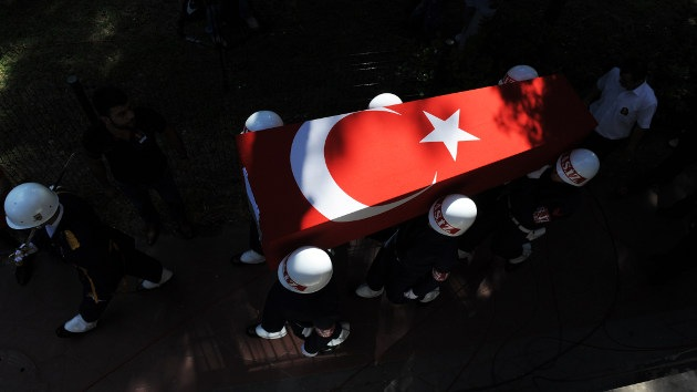 Turquía suspendió su ataque aéreo contra Siria a último momento