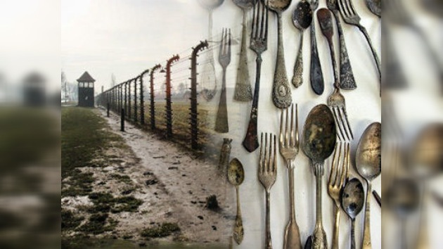 Una pareja israelí roba artefactos de Auschwitz