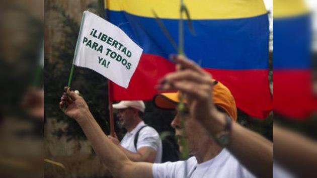 Las FARC fijan el 2 de abril para la liberación de diez militares y policías