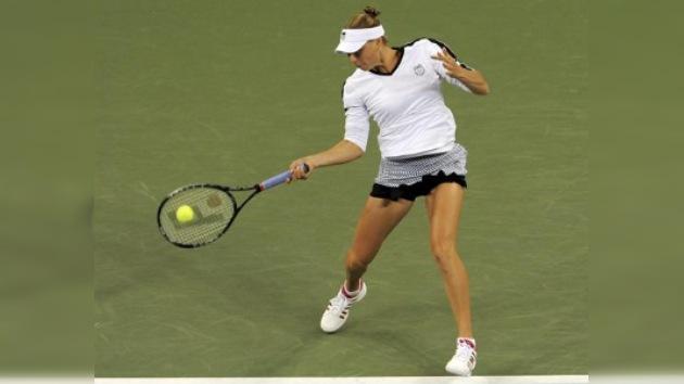Zvonariova clasifica para los cuartos del US Open, Sharápova fue eliminada