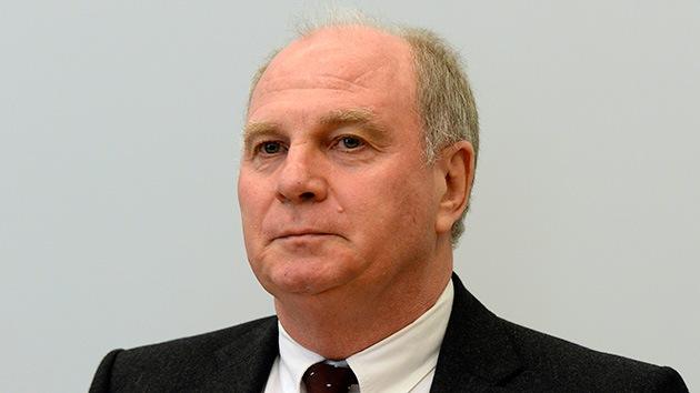 Tres años y medio de cárcel al presidente del Bayern por fraude fiscal