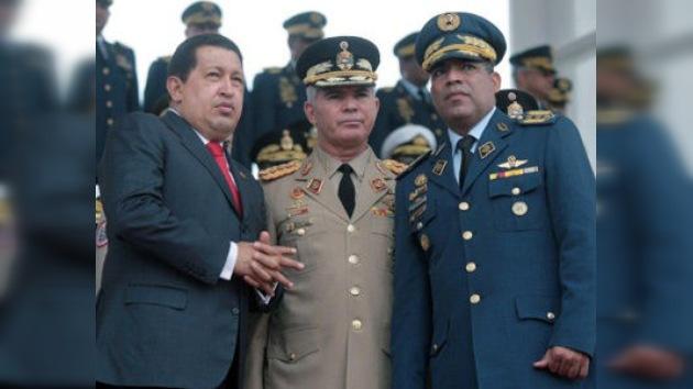 Fuerzas Armadas venezolanas expresan lealtad a Chávez