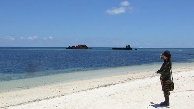China crea islas artificiales en el mar en disputa, aumentando la tensión en Asia