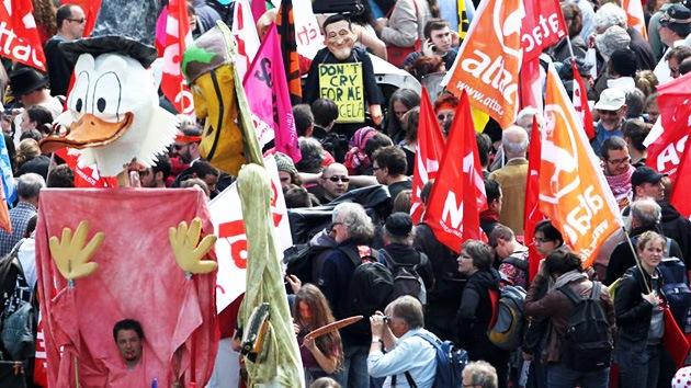 'Ocupa Fráncfort' supera los 20.000 participantes
