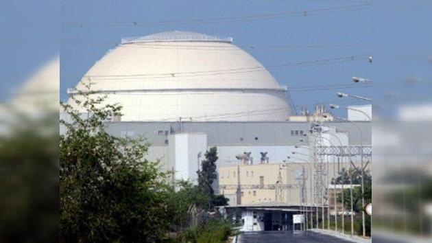 Irán puede fabricar armas nucleares, pero 'no va a escoger este camino'
