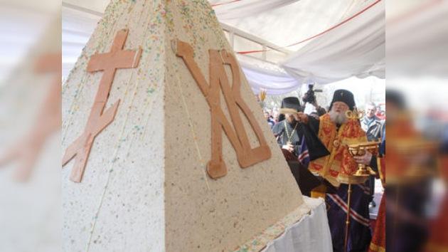 Los cocineros de Rostov  preparan el pastel de Pascua más grande de Rusia