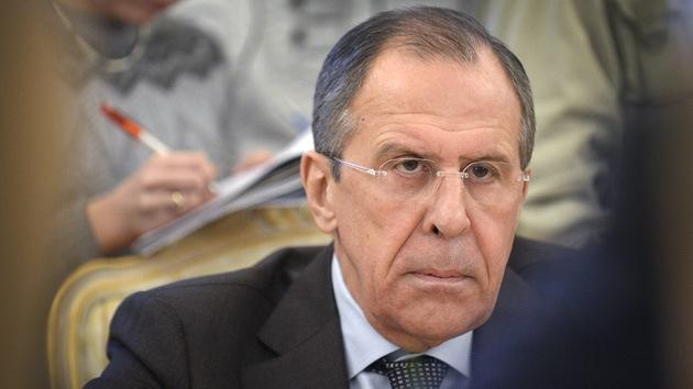 Lavrov insta a Occidente a no 'coquetear' con la oposición militante en Ucrania