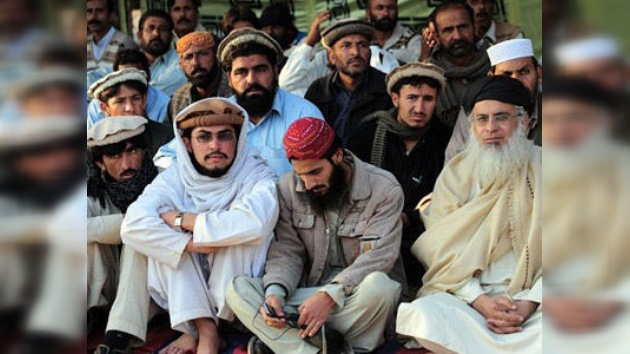 """Talibanes pakistaníes seguirían """"el camino correcto"""" en las negociaciones con el gobierno"""