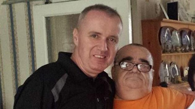 Historia conmovedora: Dos hermanos se reencuentran 25 años después gracias a Facebook