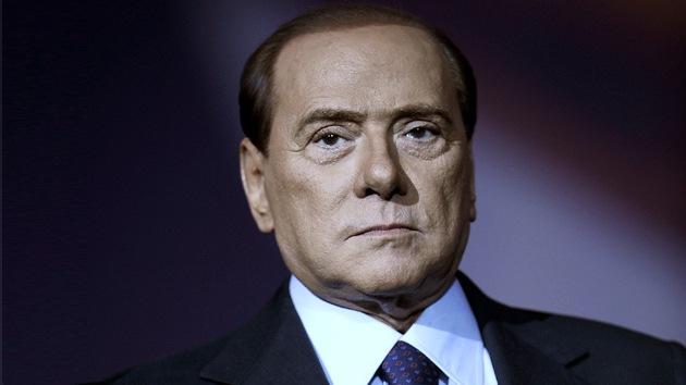 Berlusconi condenado a 7 años de prisión por la inducción a la prostitución