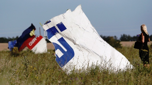 Expertos alemanes creen que el vuelo MH17 pudo ser atacado por un caza militar