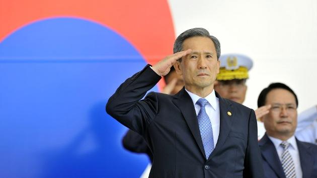 Envían una carta amenazante con polvo sospechoso al ministro de Defensa surcoreano
