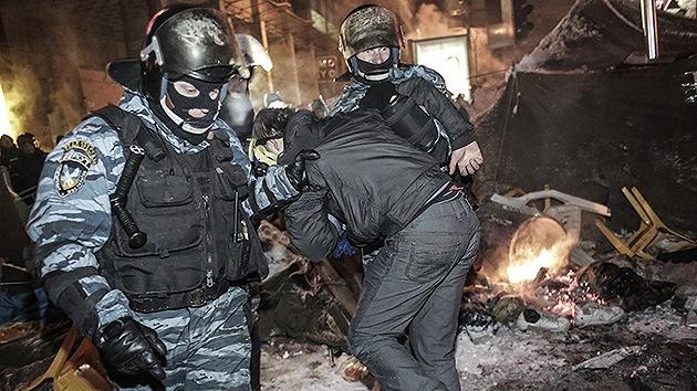 Ucrania investiga a grupos radicales por intento de golpe durante la protesta