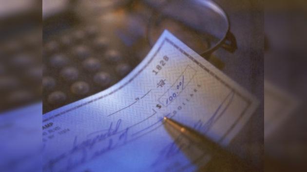 Los cheques bancarios caen en desuso
