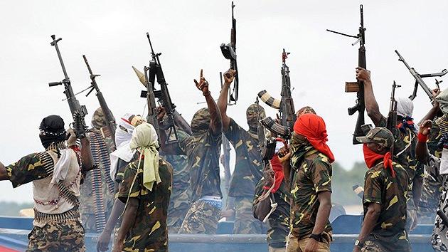 Extremistas queman vivos a 42 estudiantes en una escuela en Nigeria