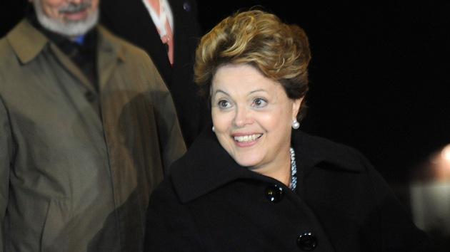 """Rousseff califica de """"victoria histórica"""" la ley de regalías petroleras para educación y salud"""