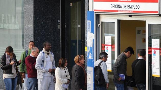 El Gobierno de España fuerza jubilaciones anticipadas para reducir gastos