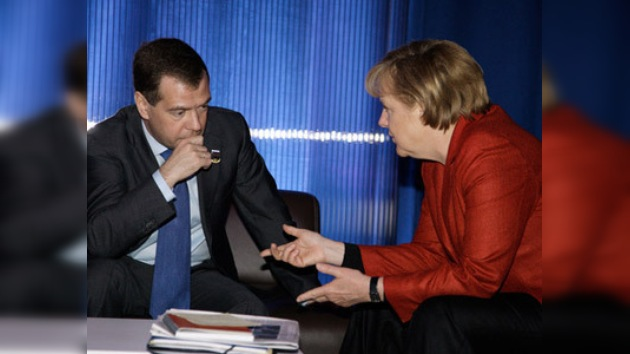 Medvédev y Merkel analizarán los efectos de la crisis y problemas actuales
