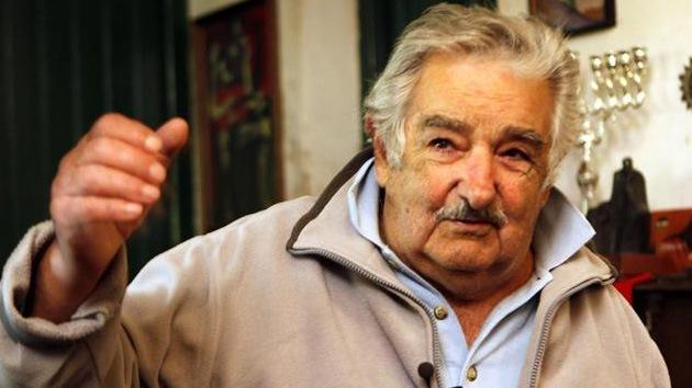 José Mujica se opone a la marihuana y el aborto, pero prefiere legalizarlos