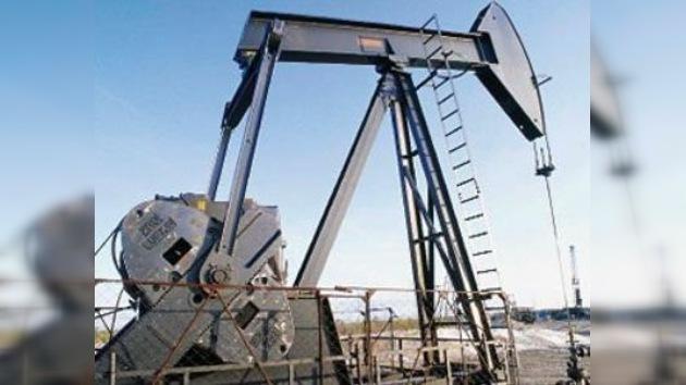 Lukoil y Gazprom Neft empezarán trabajos de perforación en Iraq