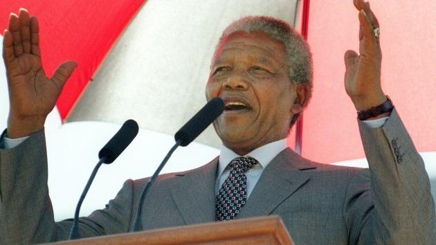 """""""No puedo olvidar, pero sí perdonar"""". La filosofía de Nelson Mandela en frases"""
