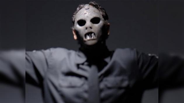 Hallan muerto al bajista de la banda de metal Slipknot
