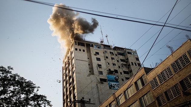 El edificio de la agencia AFP, alcanzado en el último ataque israelí en Gaza