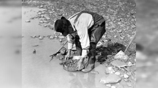 Fiebre del oro. Mineros aventureros en fotografías de sus compañeros