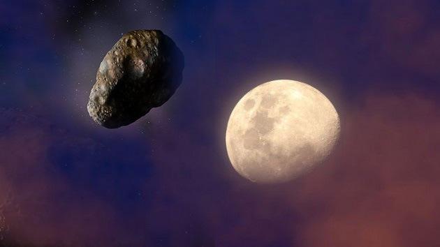 ¿Cómo debe ser un asteroide para desplazar la Luna hacia la Tierra?