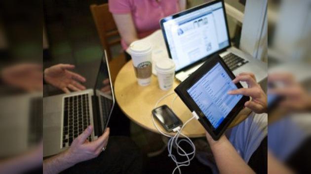 Las cafeterías Starbucks ya no ofrecerán internet 'en bandeja'