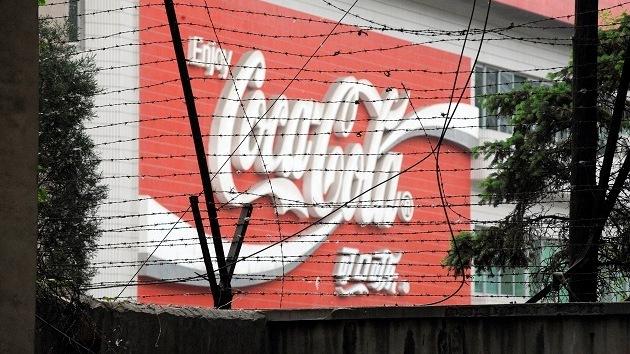 Coca-Cola, investigada por espionaje en China