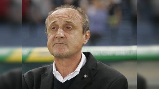 Video: Despiden al entrenador de la Fiorentina tras agredir a uno de sus jugadores