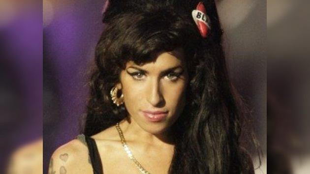 La muerte de Amy Winehouse aumenta las expectativas de cara a un tercer álbum