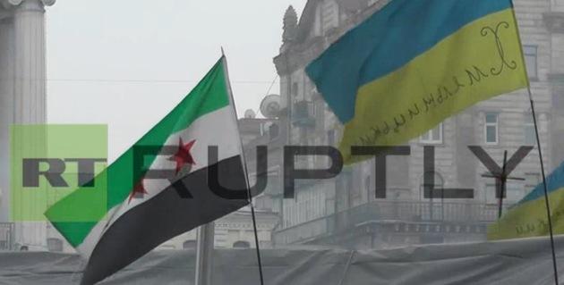 Ucrania: Opositores radicales izan banderas de terroristas sirios y chechenos en Kiev