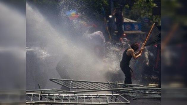 Violentos enfrentamientos entre estudiantes y la Policía, esta vez en Santiago