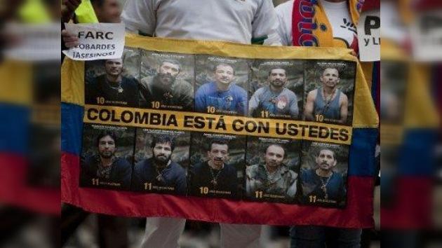 Las FARC liberarán a diez militares y policías a finales de marzo