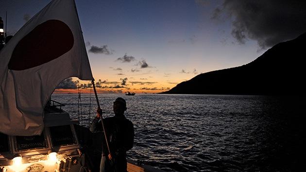 Japon desplegará una fuerza naval para proteger las islas en disputa con China