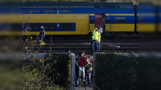 Dos trenes de pasajeros colisionan en Ámsterdam