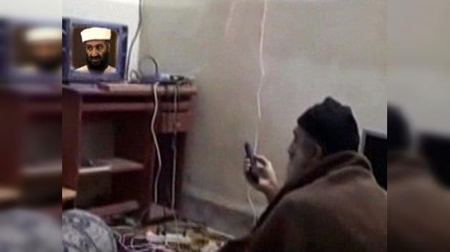 Bin Laden protagoniza vídeos caseros como orador y televidente