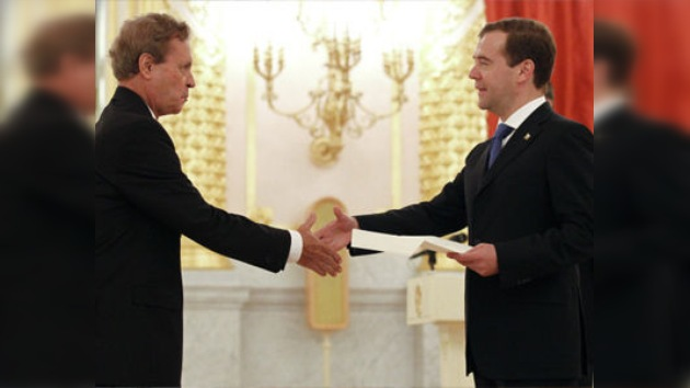 Medvédev recibe las credenciales de los embajadores de Argentina y El Salvador