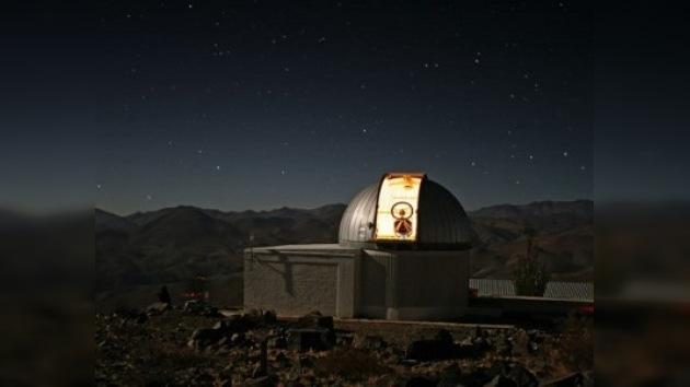 Un pequeño ojo terrestre caza exoplanetas desde Chile