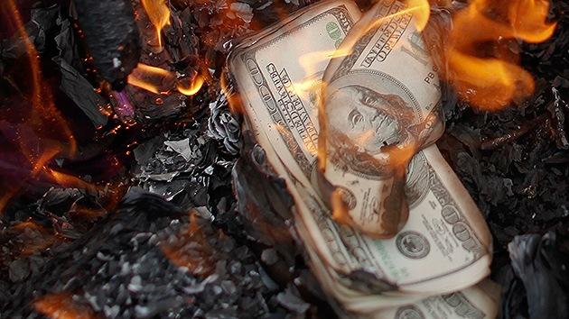 """""""La mejora de la economía de EE.UU. se ha 'fabricado': viene un profundo colapso"""""""