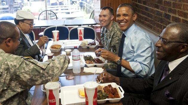 El despiste del presidente Obama: se fue de un restaurante sin pagar