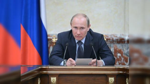 """Putin: """"La OTAN es un atavismo de la Guerra Fría"""""""