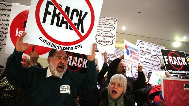 Tejanos protestan contra el 'fracking' tras decenas de sismos