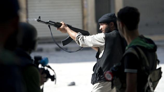 Video: Rebeldes sirios ejecutan a un civil desarmado