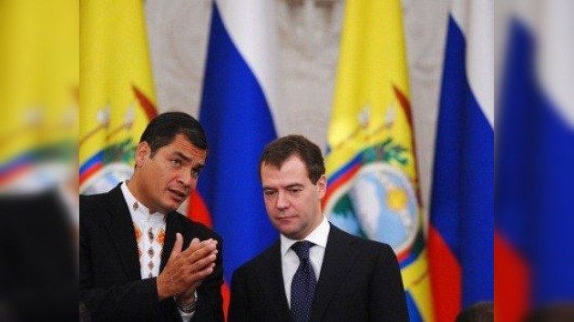 Correa anuncia interés de Rusia de invertir 1.000 millones de dólares en Ecuador