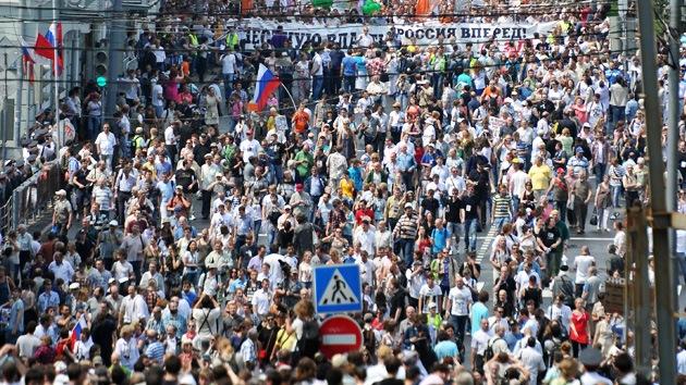 'Marcha de Millones' opositora recorre las calles de Moscú el Día de Rusia