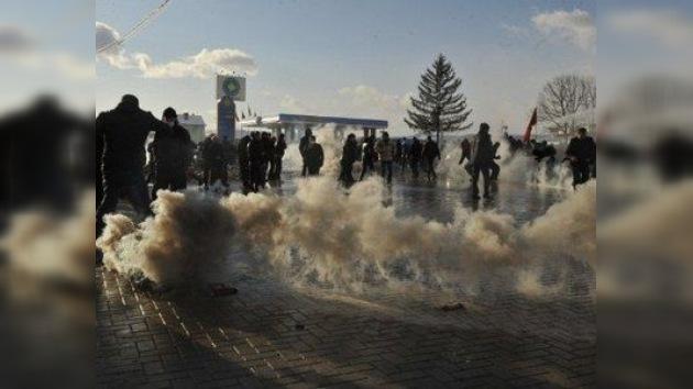 Choques en el norte de Kosovo se saldan con unas 50 personas heridas y 150 detenidas